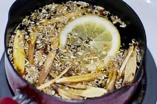 Homemade Cough Syrup to Expel Phlegm from Your Lungs