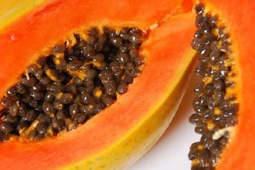 Papayas help rejuvenate your face