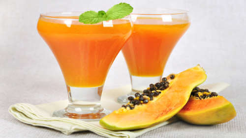 Papaya and chamomile smoothie