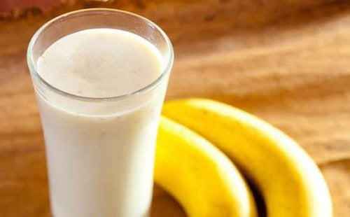 5 Smoothies that Fight Constipation