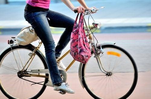 Riding bike to burn fat