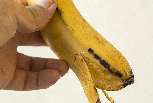 Whiten Your Teeth with Banana Peels