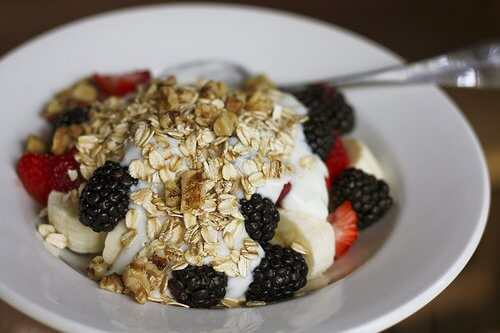 Breakfast cereal with berries.