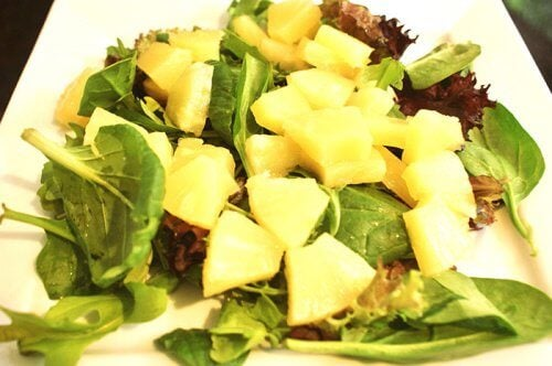 Pineapple and spinach salad