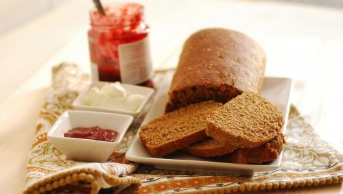 Some rye bread and jam.