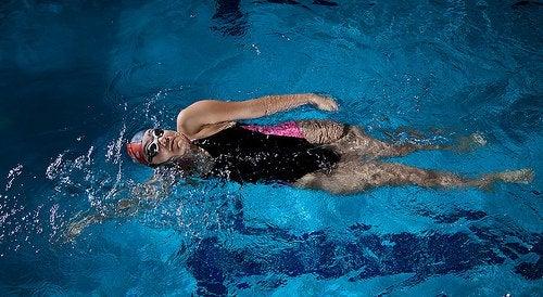 하체 부종 수영