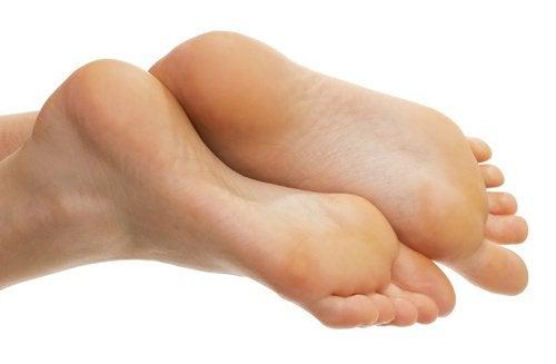 3 healthy feet