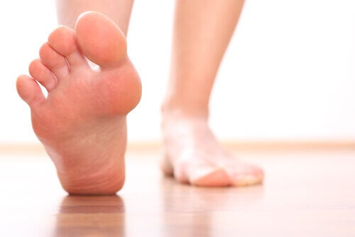 Harm your heels walking barefoot bottom of foot