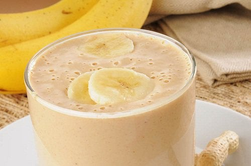 Banana juices and smoothies to help fight insomnia