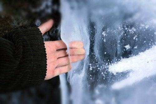 hand-on-ice