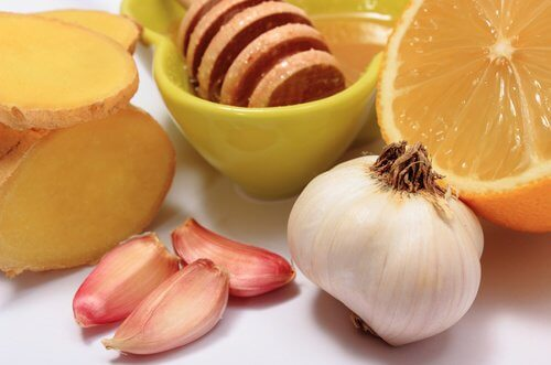 Ginger, Garlic, and Honey Remedy for 8 Common Ailments