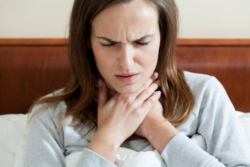 How to Naturally Soothe Swollen Tonsils