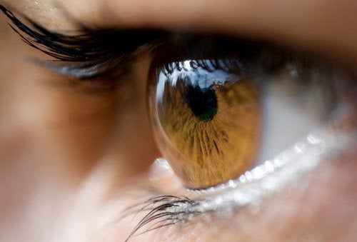 The effects of stress on your organs can affect the eyes