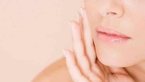 How to Easily and Naturally Close Skin Pores