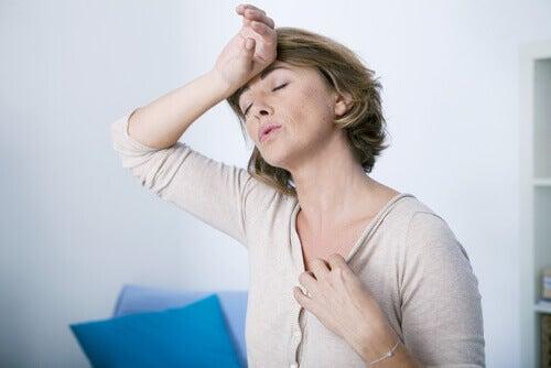 폐경은 여러 증상이 있다