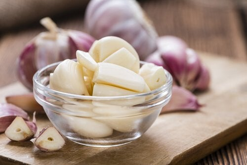Bowl of peeled garlic cloves