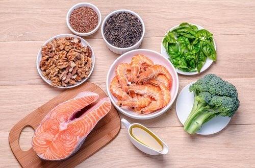 Terveellinen laihdutus terveelliset ruoka-aineet