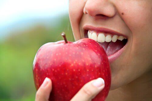 4 apple