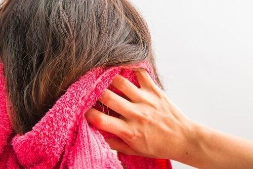Kilpirauhasen häiriöt hiukset