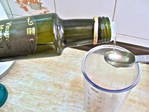 10 Incredible Health Benefits of Apple Cider Vinegar