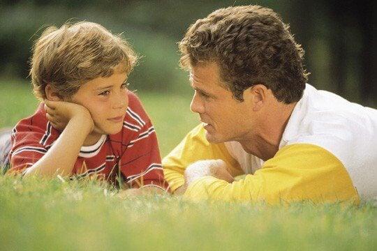 Lasten kasvatus isä ja poika