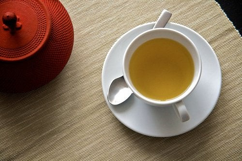 Garlic tea with ginger and lemon