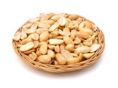 Lima lisääntyy pähkinöitä syömällä