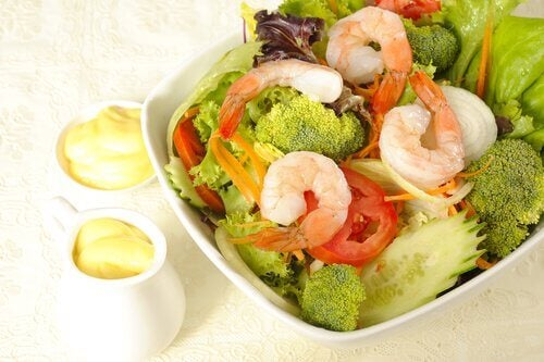 Broccoli and shrimp salad