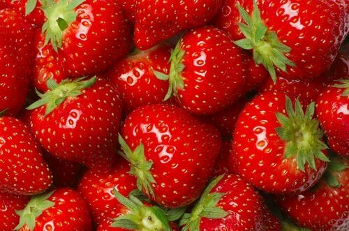 strawberries for citrus waters