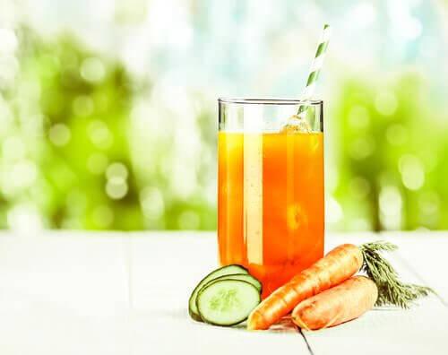 3 carrot cucumber juice