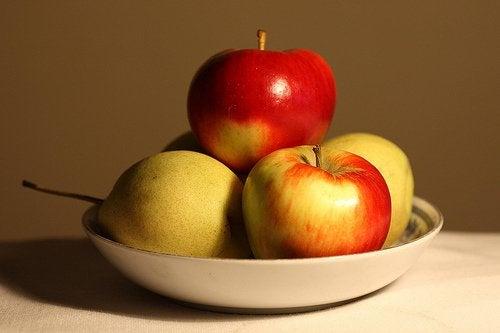 Omenat ja päärynät