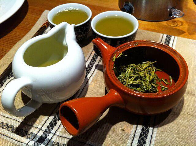 Puhdistava kuuri vihreästä teestä