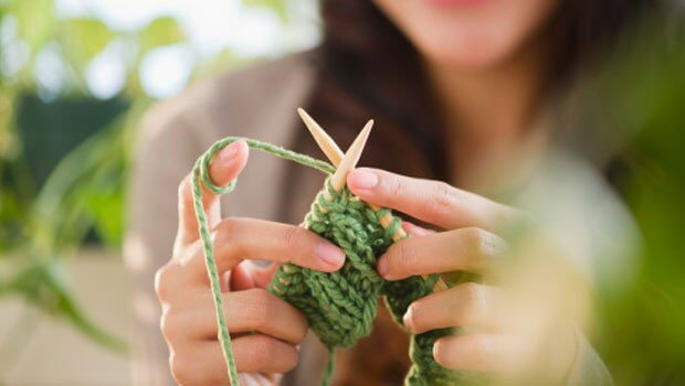 knitting-by-hand