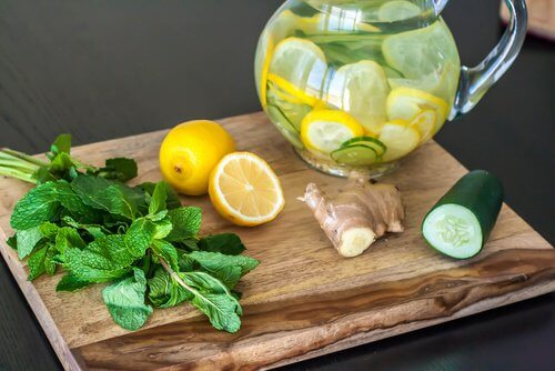 Detox and Cleansing Diet with Lemon, Ginger and Cucumber