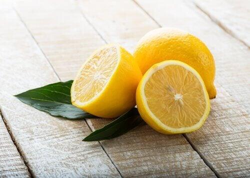 Sitruuna ja ihon vaalentaminen