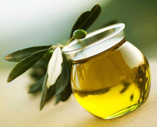 Hauraat kynnet oliiviöljy auttaa