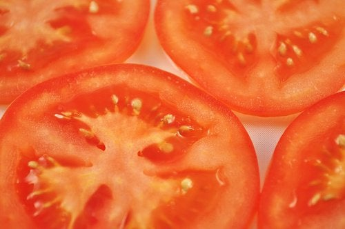Treat Spider Veins with Tomatoes