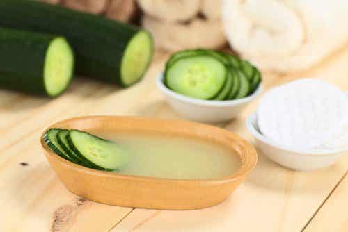Fight Wrinkles and Sagging Skin with Cucumber and Aloe