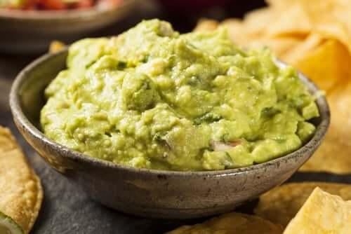 A bowl of guacamole.
