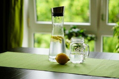 Lemon water as part of a cleansing diet.