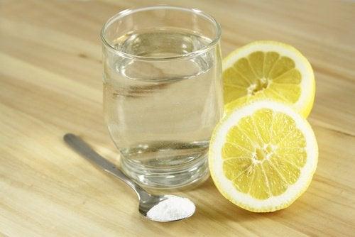 Vesi suola sitruuna