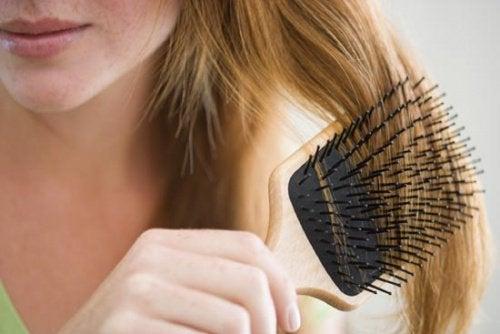 3 brush hair