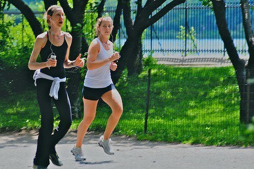 Tips for a flat stomach that includes jogging