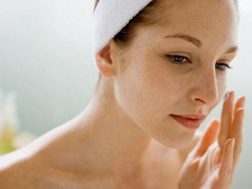 8 Ways to Minimize Wrinkles