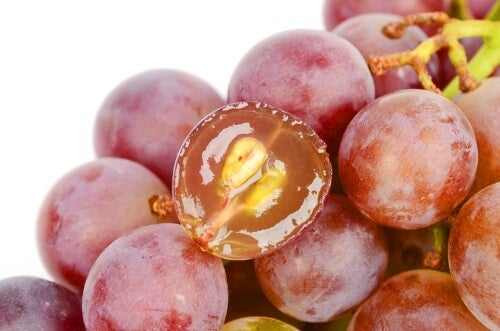 7 Reasons You Should Eat Grape Seeds