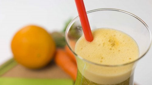 Carrot, Orange, and Parsley Juice for Weight Loss