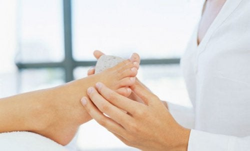 Home Remedies to Effectively Remove Calluses