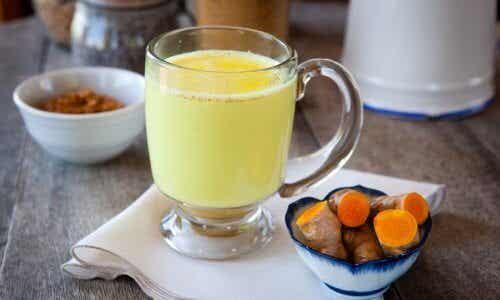 """The Amazing Benefits of """"Golden Milk"""""""