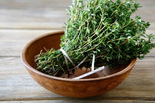 A bunch of thyme in a bowl.