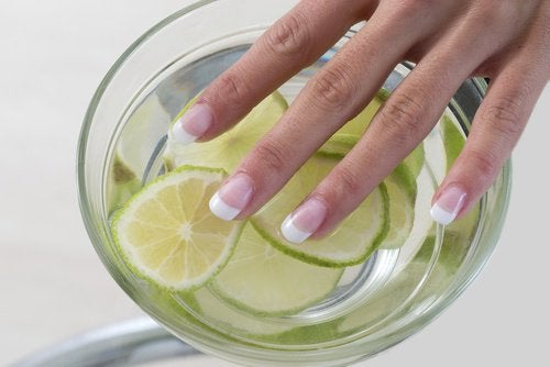 2 whiten nails lemon beauty benefits